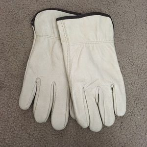 Other - White leather gloves